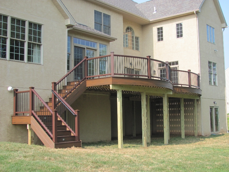 Round Deck Design with Steps- Amazing Deck