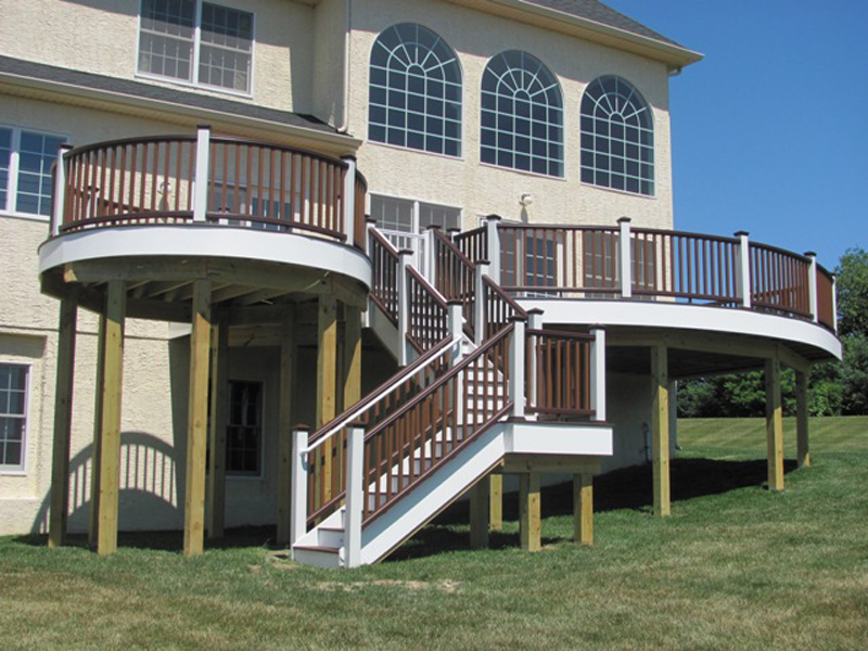 Bi-Level Round Deck with Stairs Builder- Amazing Deck