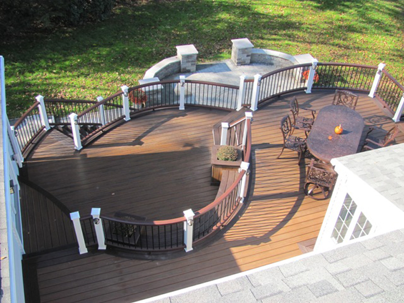 Curved Trex Deck Contractor- Amazing Deck