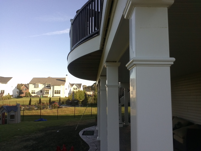 Curved Deck with Covered Patio Design- Amazing Deck