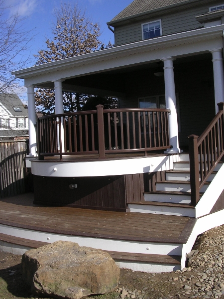 Round Deck with Roof Design- Amazing Deck