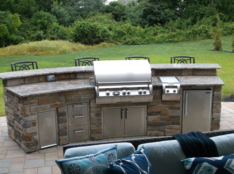 Custom Patio Design With Outdoor Kitchen  Amazing Deck