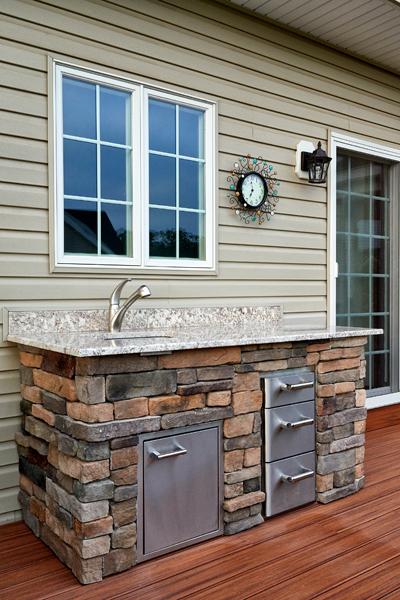Outdoor Kitchen Builder- Amazing Deck