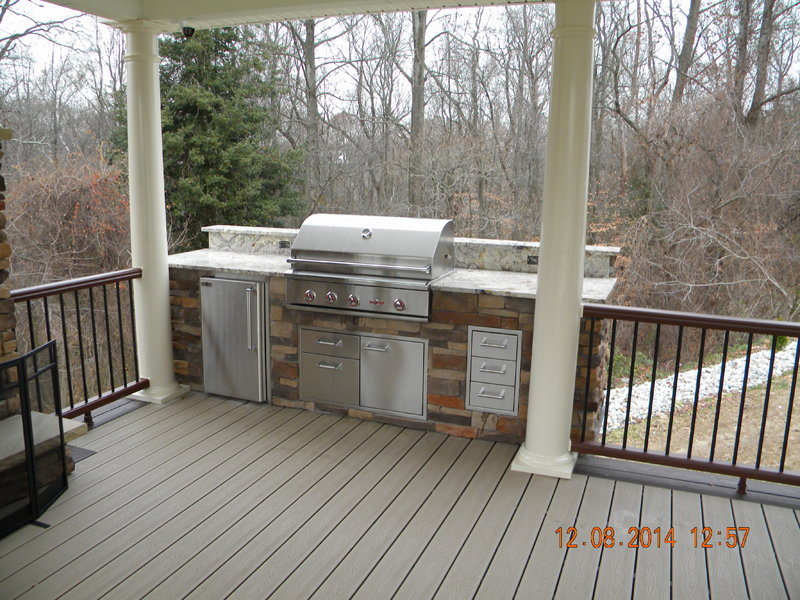 Outdoor Kitchen Builder- Amazing Deck