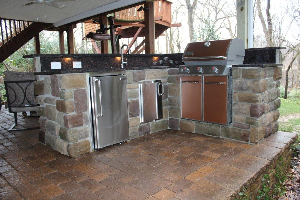 Custom Outdoor Patio Kitchen- Outdoor Deck Kitchen Contractor- Amazing Deck
