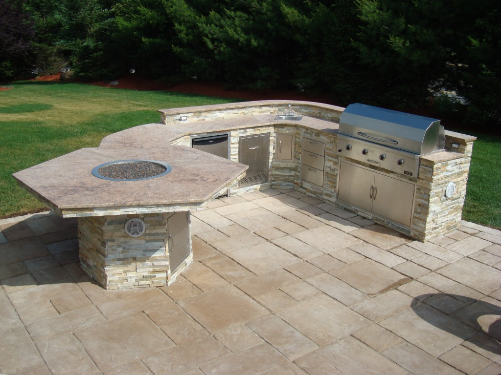 Custom Outdoor Patio Kitchen with Small Built-In Firepit- Amazing Deck