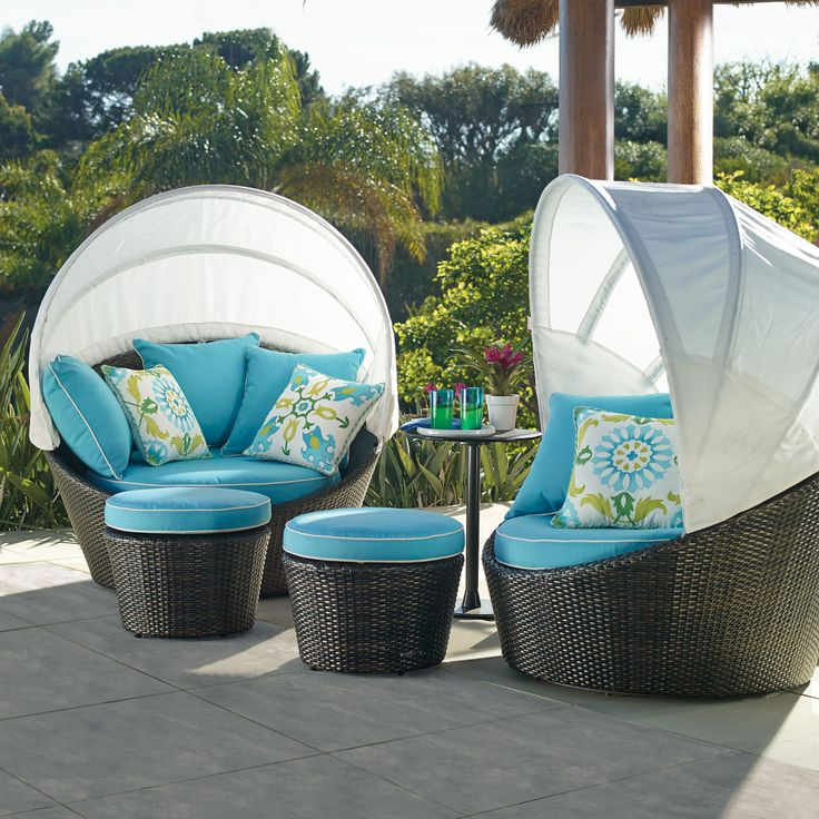 bella-flora-outdoor-pouf-ottoman-cushion-source-thegreatestgarden_com