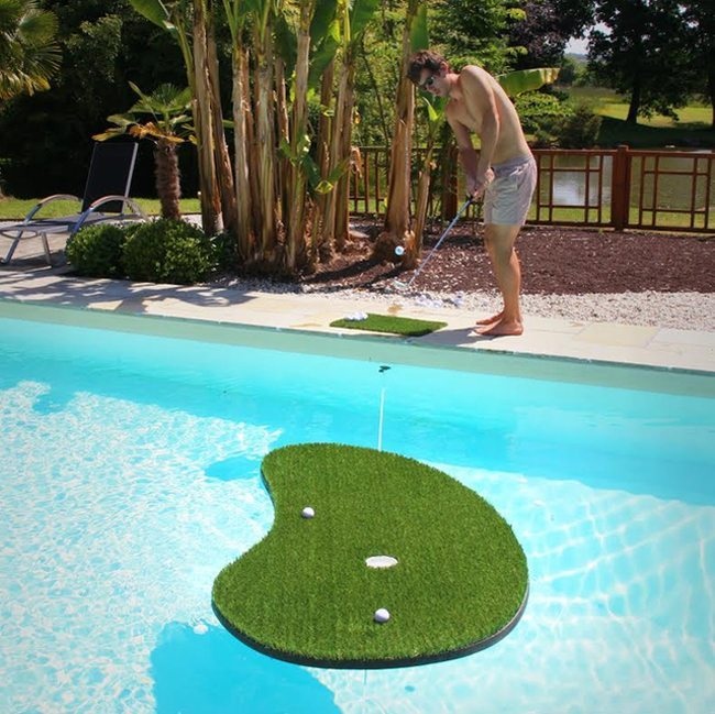 floating putting green_source-gadgetreview.com