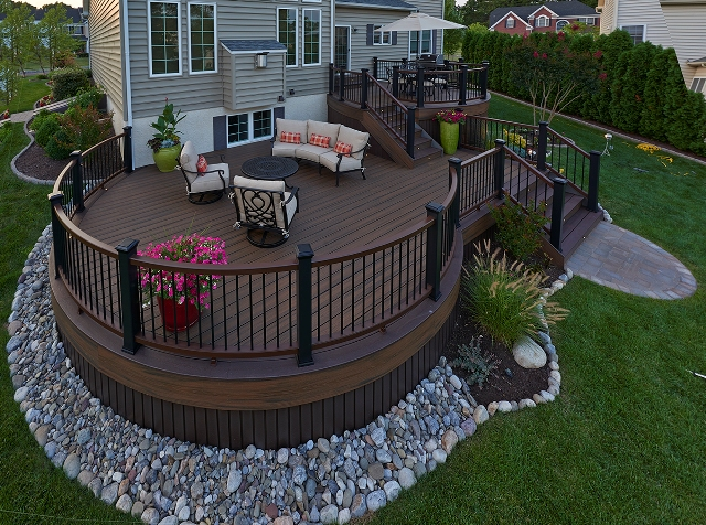 Curved Decked with Trex Railing- Warren, NJ