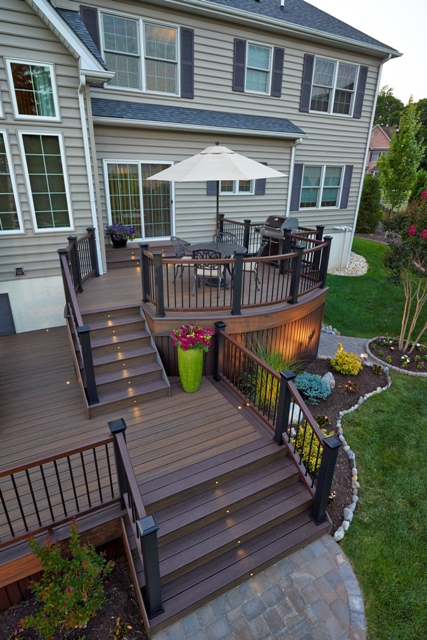 Curved Trex Deck with Black Railing- New Hope, Pa
