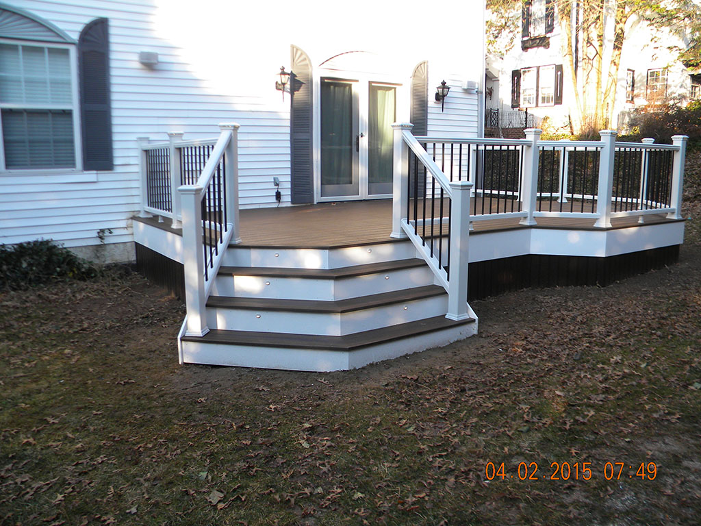 Custom Trex Deck with White Railing- Perkasie, Pa