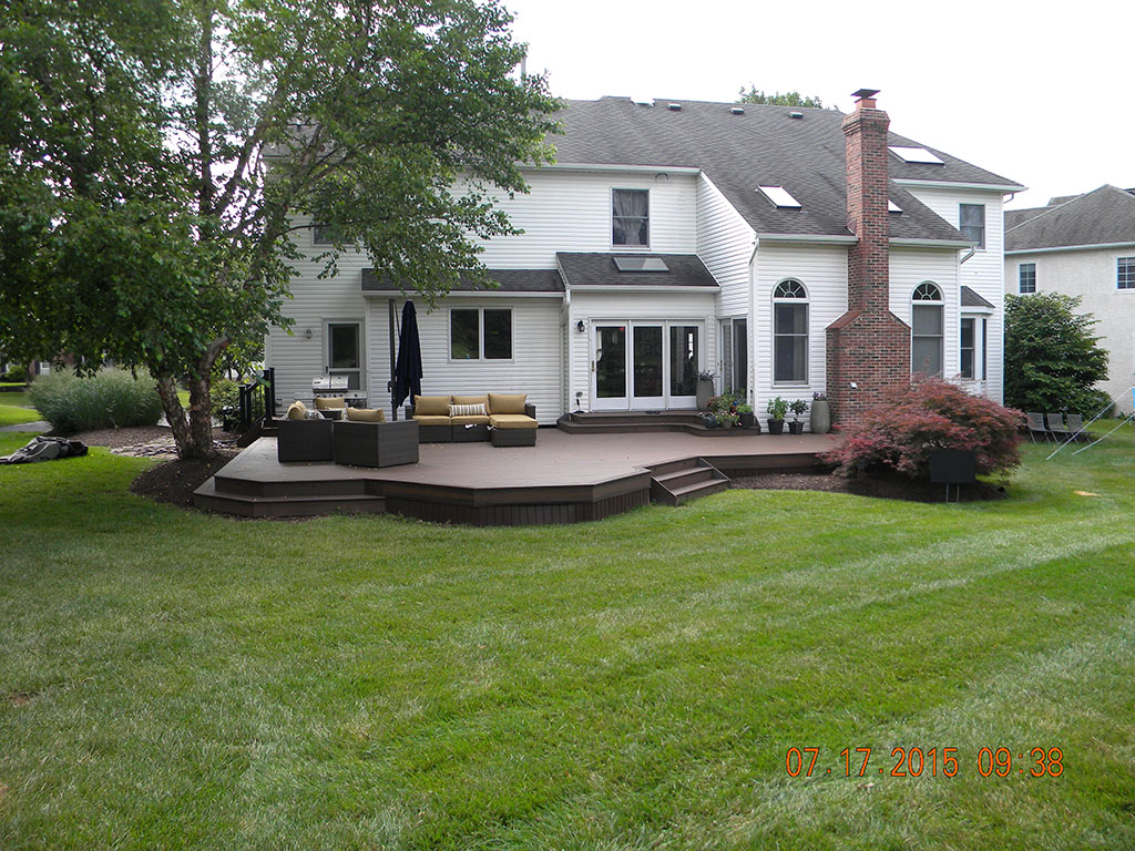 Custom Curved Composite Decking Design- Robbinsville, NJ