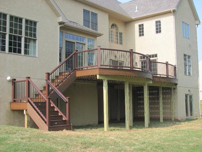 Round Deck Design with Steps- Amazing Deck