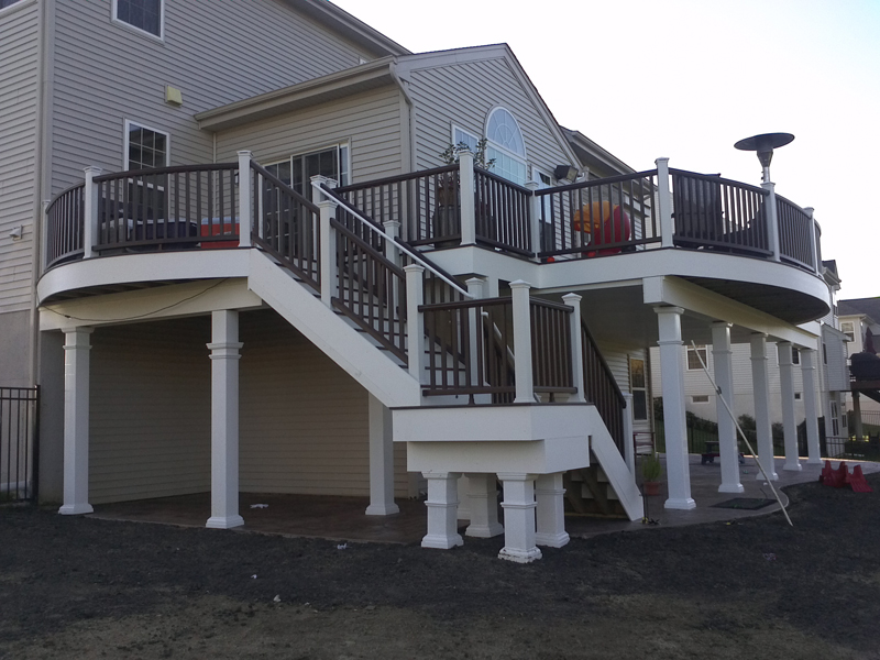 Round Bi-Level Deck with Covered Patio Idea- Amazing Deck