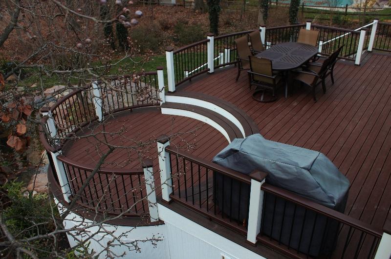 Round Trex Deck Builder- Amazing