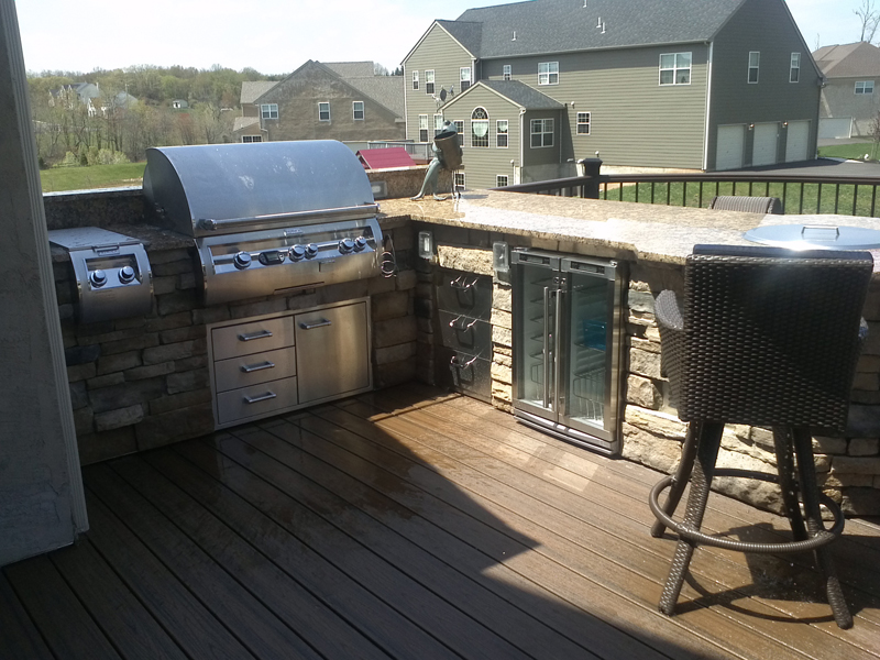 Custom Deck Design with Kitchen- Amazing Deck
