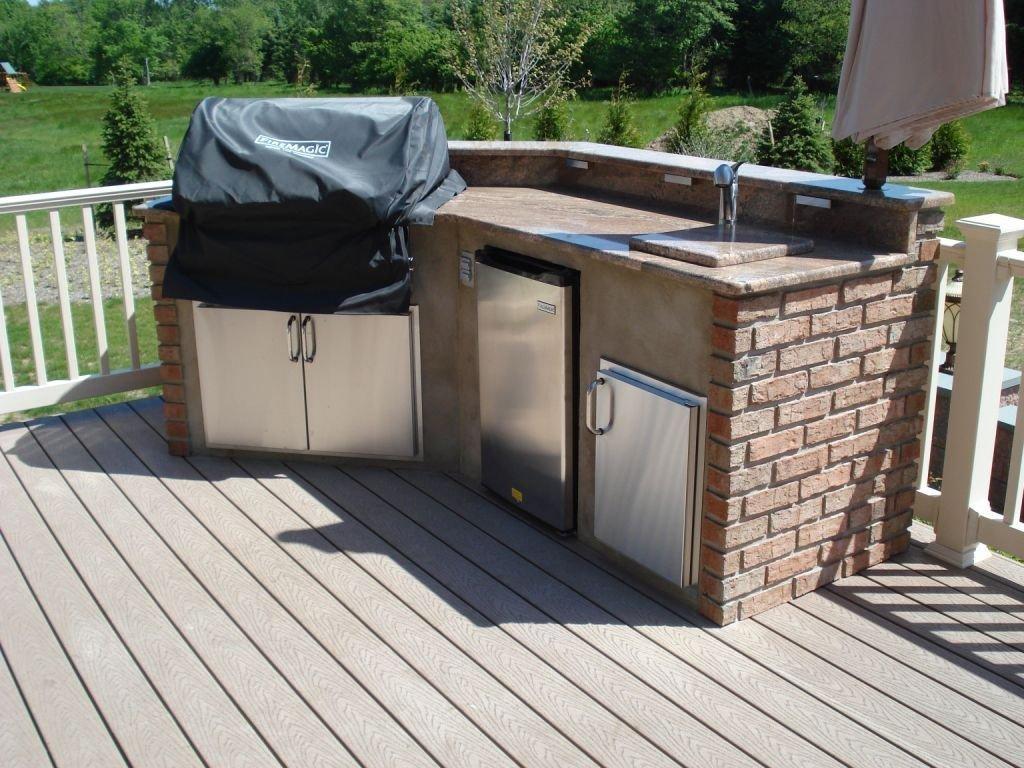 Choosing Between An Outdoor Kitchen Deck And An Outdoor