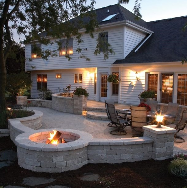 Outdoor Kitchen Deck And Outdoor Patio Designs With Curves