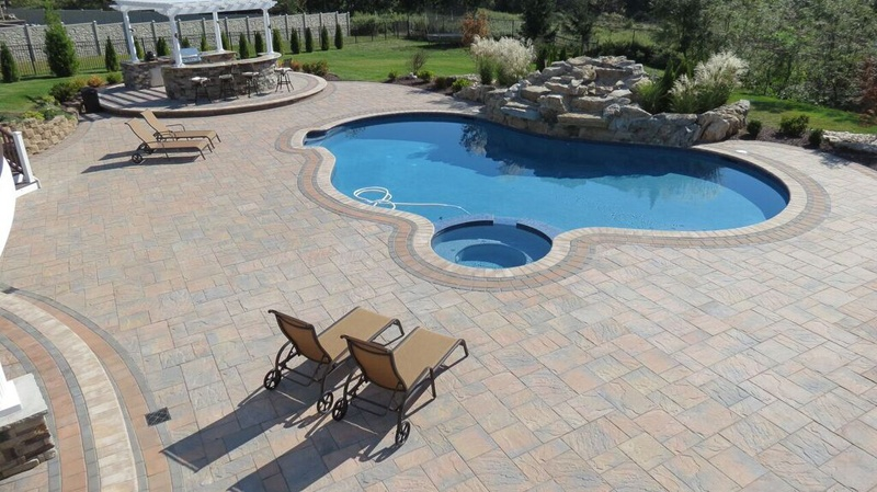 Benefits of Paver Stones for Pool Deck and Patios Designs ...